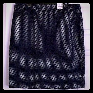 The perfect must have pencil skirt-NWT